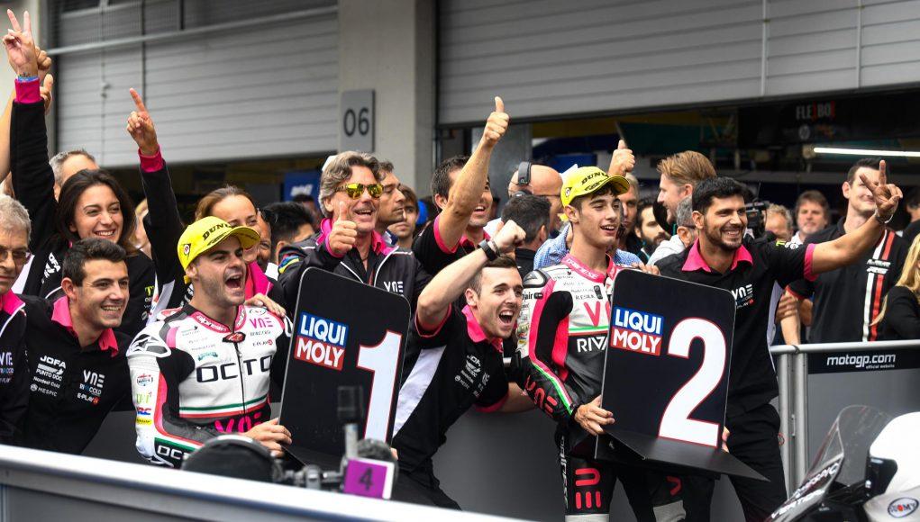 Celebración del equipo VNE Snipers en Red Bull Ring. Fuente: MotoGP.